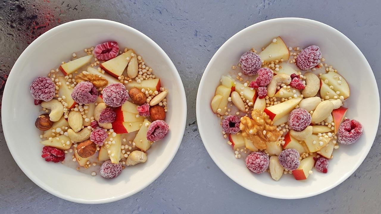 Porridge mit Beeren und Apfel